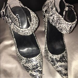Snake skin GUESS heels  stilettos ankle strap 6.5